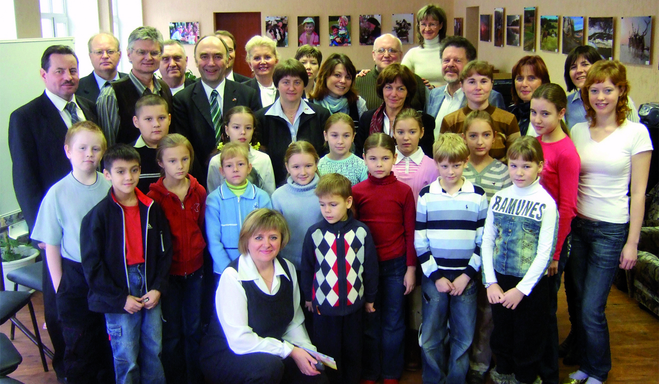Teilnehmerinnen und Teilnehmer von Multiplikatorenschulungen der Landsmannschaft in Würzburg